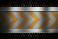 Perforerat metallingreppsgaller med det polerade metallarket med yel Arkivbilder