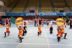 Performance d'équipe Zador de majorettes Photographie stock