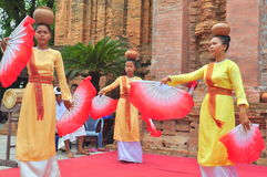 Performing of a traditional folk dance of champa at the Ponagar temple in Nha Trang stock photography