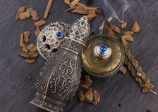 Perfume árabe artístico oriental de plata de Oud foto de archivo