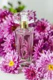 Perfume con olor floral fotos de archivo libres de regalías