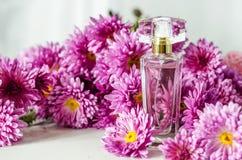 Perfume con olor floral imagen de archivo libre de regalías