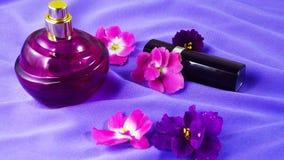 Perfume con un olor floral fotos de archivo libres de regalías