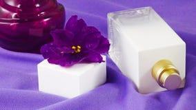 Perfume con un olor floral imagen de archivo libre de regalías
