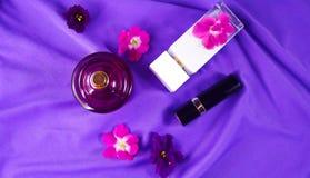 Perfume con un olor floral foto de archivo