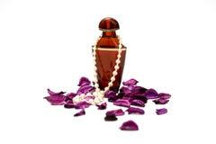 Perfume y perlas Imagen de archivo