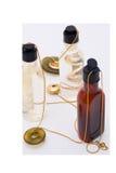 Perfumes con joyería Fotos de archivo libres de regalías