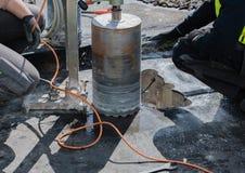 Perfuração de núcleo para a ventilação através de um teto da construção fotos de stock royalty free