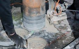 Perfuração de núcleo para a ventilação através de um teto da construção fotos de stock