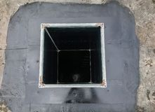 Perfuração de núcleo para a ventilação através de um teto da construção imagens de stock