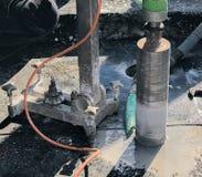Perfuração de núcleo para a ventilação através de um teto da construção fotografia de stock royalty free