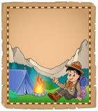 Pergamena con il ragazzo dell'esploratore in montagna Immagini Stock Libere da Diritti