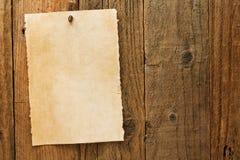 Altes rustikales gealtertes gewünschtes Cowboyzeichen auf Pergament Stockbild