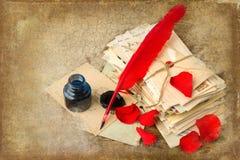 Pergaminho e letras velhas Fotos de Stock Royalty Free