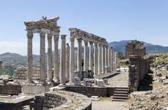 Pergamon akropol kalkon Fördärvar av templet av Trajan Arkivbild