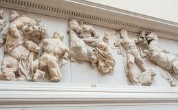 Pergamon altare i det Pergamon museet i Berlin, Tyskland Royaltyfri Foto