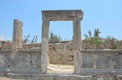 Pergestad van de mooiste werkzaamheden van Roman Empire in Turkije, de ingang van de huisdeur Royalty-vrije Stock Afbeeldingen