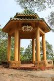 Pergola cinese nel parco di Coloane in Macao immagini stock