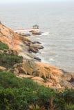 Pergola cinese sulla costa di mare in Macao Fotografie Stock Libere da Diritti