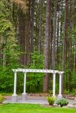 Pergola et arbres de mariage Photos stock