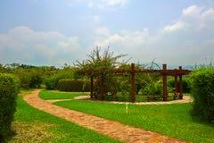 Pergola w kwiatu ogródzie Zdjęcie Stock