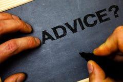 Pergunta do conselho do texto da escrita da palavra O conceito do negócio para aconselhar a assistência do incentivo recomenda a  fotos de stock