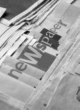 Periódico blanco y negro imágenes de archivo libres de regalías