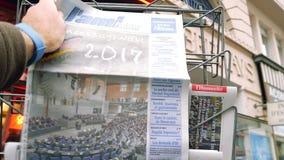Periódico de L'ami Hebdo sobre elecciones en Alemania metrajes