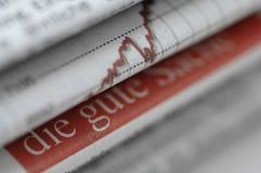 Periódicos de asunto en pila Imágenes de archivo libres de regalías