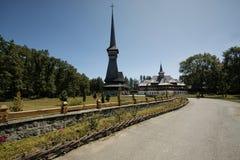 Peri-Sapanta L'église en bois la plus grande en Europe est Photographie stock