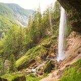 Pericnik vattenfall i den Triglav nationalparken, Julian Alps, Slovenien Arkivbilder