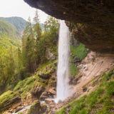 Pericnik vattenfall i den Triglav nationalparken, Julian Alps, Slovenien Royaltyfri Bild