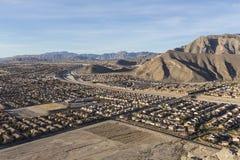 Periferia del deserto vicino alla montagna sola a Las Vegas Immagini Stock