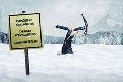 Perigo das avalanchas foto de stock