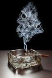 Perigo do fumo Fotografia de Stock