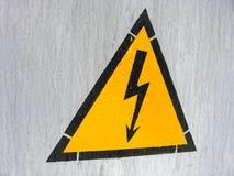Perigo elétrico do sinal fotografia de stock royalty free