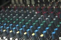Perillas de la tarjeta del mezclador de sonidos Imágenes de archivo libres de regalías