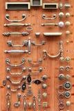 Perillas de puerta de bronce y de cobre amarillo Imagen de archivo libre de regalías