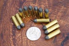 Period för revolverkassett- och silverdollarvilda västern Arkivfoton