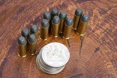 Period för revolverkassett- och silverdollarvilda västern Royaltyfri Foto