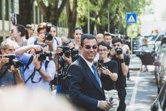 Periodista italiano Giovanni Floris en la semana de la moda del ` s de Milan Men Foto de archivo libre de regalías