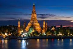 Periodo crepuscolare di Wat Arun Fotografie Stock Libere da Diritti