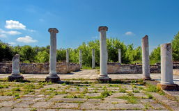 Peristyl komplex Abritus in present town Razgrad. Bulgaria. Wall and columns of the ancient Roman town Abritus Stock Photos