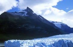 Perito Moreno Glacier på Kanal de Tempanos i Parque Nacional Las Glaciares nära El Calafate, Patagonia, Argentina Royaltyfri Bild