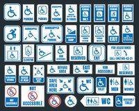 Perjudique los iconos, el estacionamiento y las muestras del retrete, personas discapacitadas Imagen de archivo libre de regalías