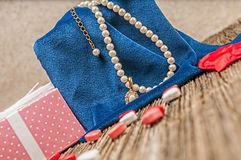 Perla del día de tarjetas del día de San Valentín, diamante, necklase, regalo Foto de archivo