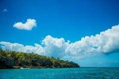 Perla hermosa del mar del Caribe - isla de Saona Foto de archivo libre de regalías