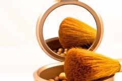 Perlas de bronce del maquillaje Fotografía de archivo