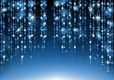 Perle di vetro blu che appendono fondo Fotografia Stock Libera da Diritti
