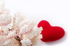 Perle e coralli Fotografie Stock Libere da Diritti